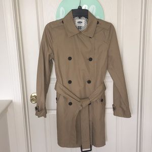 Old Navy trench coat 🧥; size xs